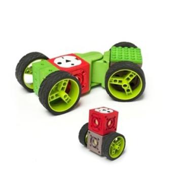 LEGO İLE ROBOT YAPMAYI ÖĞRENİYORUM