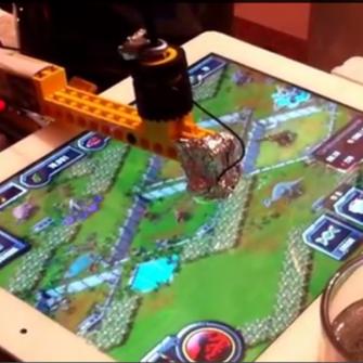 DELİ MUCİDİN BİRİ LEGO'LARDAN ROBOT YAPTI