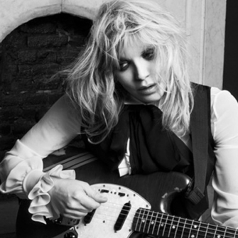COURTNEY LOVE'DAN YENİ SİNGLE