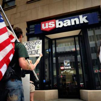 MARIJUANA AMERİKA'DAKİ BANKACILIK SİSTEMİNİ DEĞİŞTİRİYOR