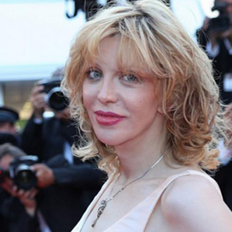 COURTNEY LOVE SONUNDA KABUL ETTİ