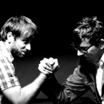 THE BLACK KEYS SNL'DE SAZI ELİNE ALDI
