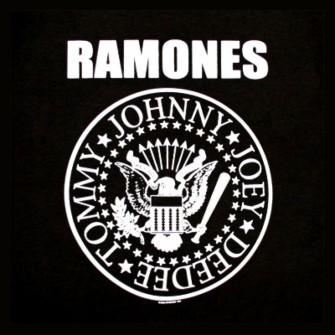 TOMMY RAMONE'UN ARDINDAN: UNUTULMAZ RAMONES ANLARI