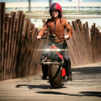BİR DE BÖYLE DENEYELİM: TEK TEKERLEKLİ MOTOSİKLET
