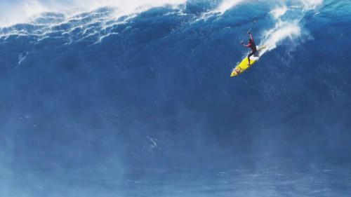 İNSANOĞLUNUN DEV DALGALARLA DANSI: BENDING THE JAWS