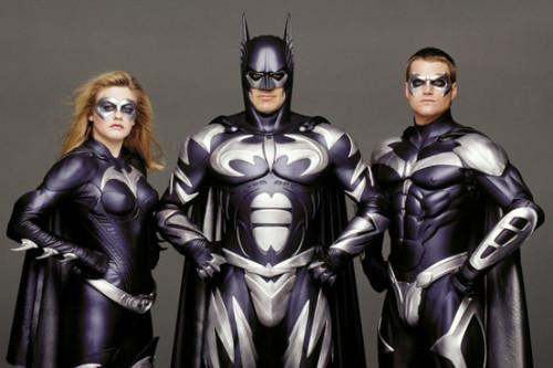 """GEORGE CLOONEY'DEN BEKLENEN ÖZÜR: """"BATMAN'İN İÇİNE ETTİK"""""""