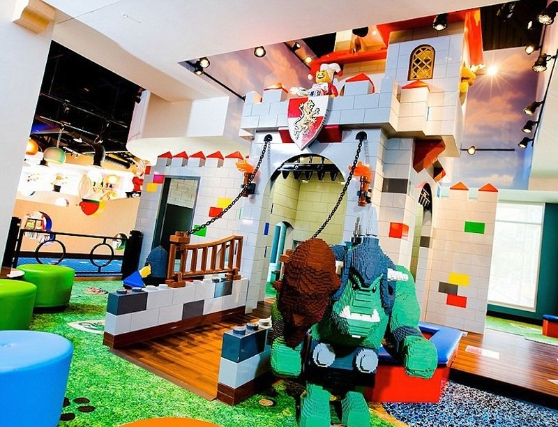 spectacular-lego-hotel-opens-in-florida-2