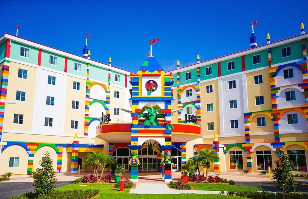spectacular-lego-hotel-opens-in-florida