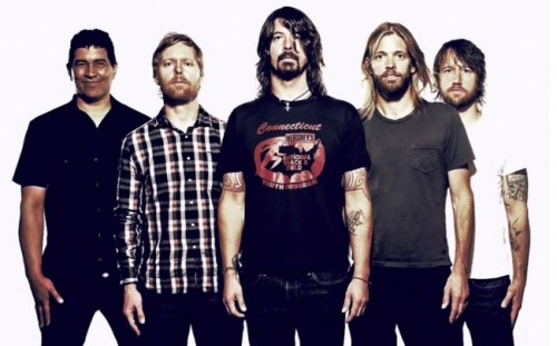 VEFANIN ADI: FOO FIGHTERS