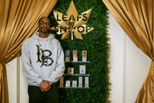 SNOOP DOGG KENDİ MARIJUANA MARKASINI TANITTI: LEAFS BY SNOOP
