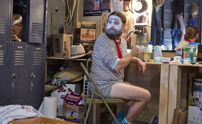 ZACH GALIFIANAKIS VE LOUIS C.K.'İN DİZİSİ BASKETS'TAN FRAGMAN