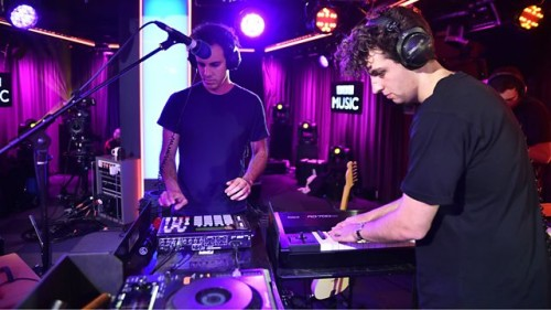 FOUR TET'TEN ENFES JAMIE XX REMIX'İ