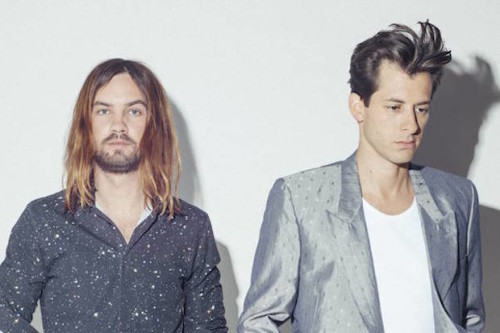 KEVIN PARKER VE MARK RONSON'DAN VİDEO: SUMMER BREAKING/DAFFODILS