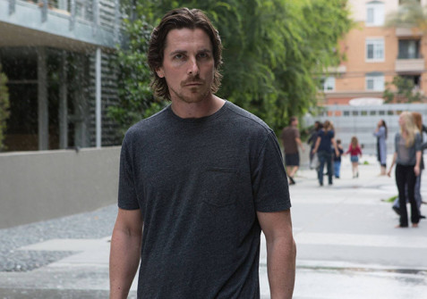 CHRISTIAN BALE KENDİ THE REVENANT'INA SOYUNDU: HOSTILES