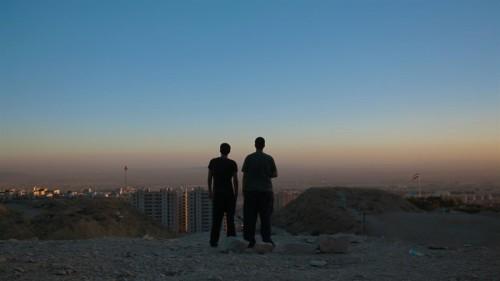 İRAN'IN TECHNO SAHNESİNİ ANLATAN RAVING IRAN'DAN FRAGMAN