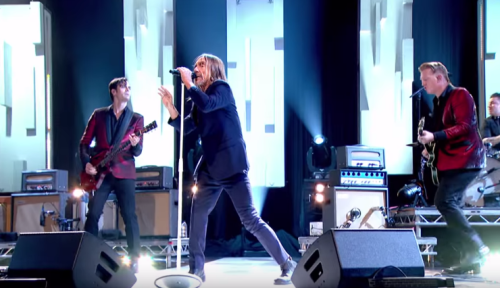 IGGY POP'TAN MÜTHİŞ JOOLS HOLLAND PERFORMANSI