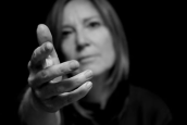 PORTISHEAD'DEN ABBA COVER'I SOS'E VİDEO