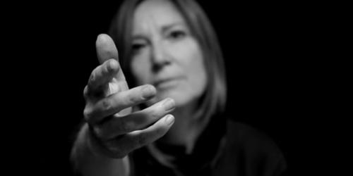 PORTISHEAD'DEN ABBA COVER'I SOS'E VİDEO