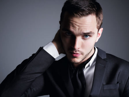 THE CURRENT WAR'DA NIKOLA TESLA'YI NICHOLAS HOULT CANLANDIRACAK