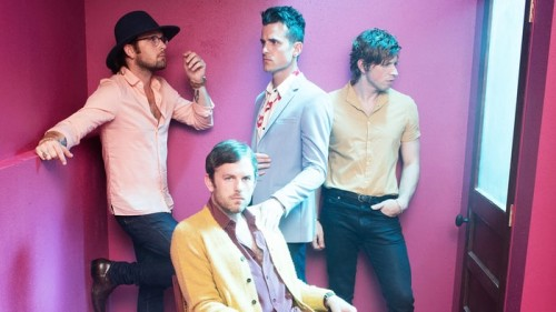 KINGS OF LEON ESKİ FORMUNA KAVUŞUYOR MU?
