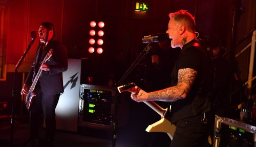 METALLICA BBC RADIO 1'DA GÜRLEDİ