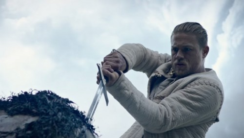 GUY RITCHIE ZAMANI: YENİ KING ARTHUR FRAGMANI