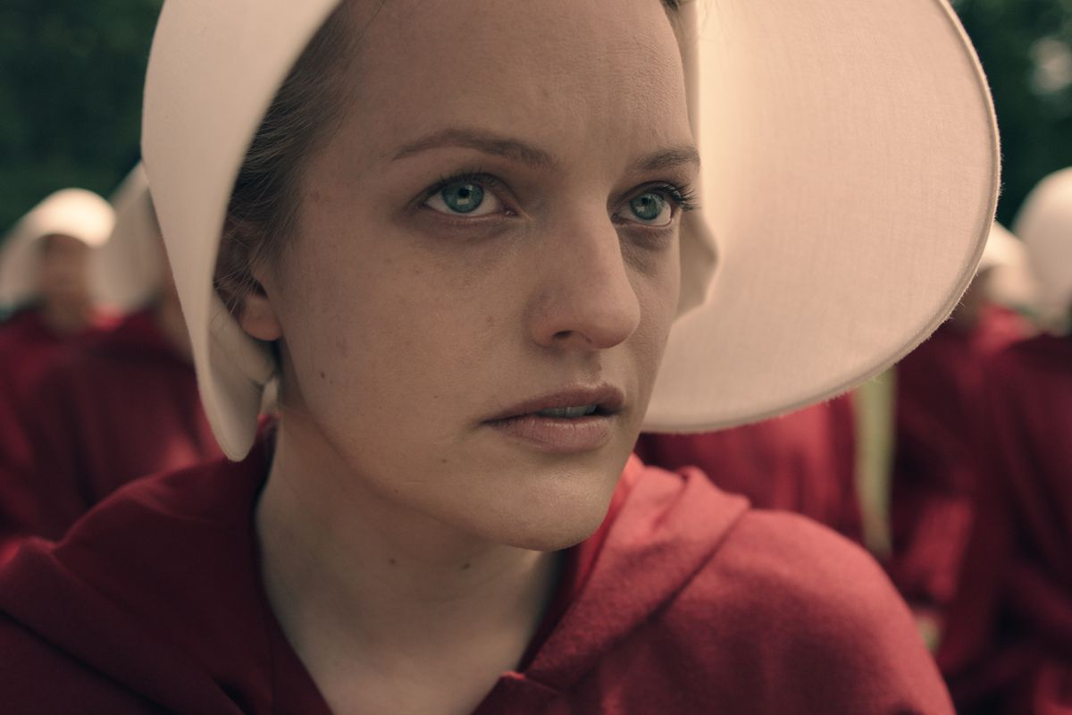 elisabeth_moss_as_offred.0