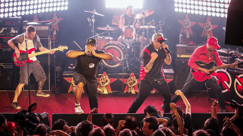PROPHETS OF RAGE ATAR-GİDER SEVİYESİNİ ARTIRIYOR: LIVING ON THE 110