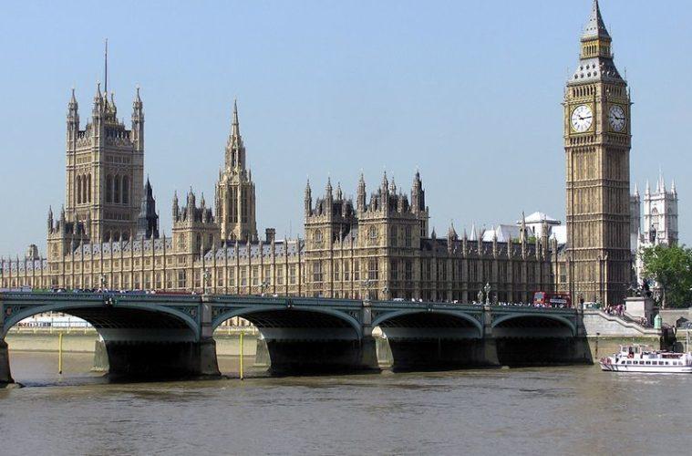 LONDRA'NIN SİMGELERİNDEN BIG BEN ÇALIŞMAYA MOLA VERDİ