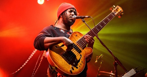 "THUNDERCAT ""THEM CHANGES"" ŞARKISI İLE THE LATE SHOW'DA"