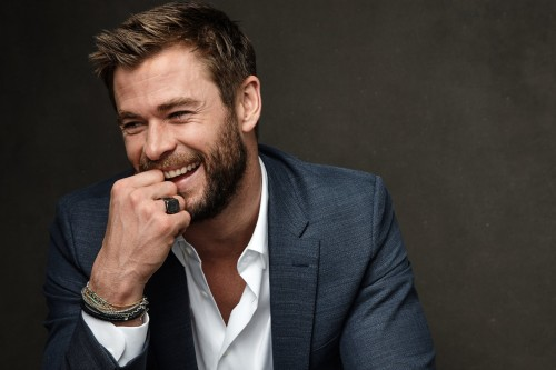 CHRIS HEMSWORTH YENİ MEN IN BLACK'TE YER ALMAYA İSTEKLİ
