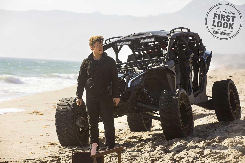 Westworld-Season-2-Dune-Buggy