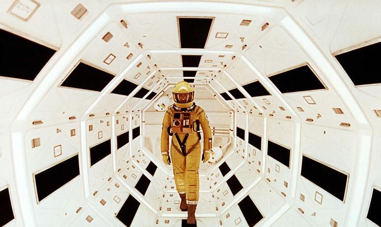2001: A SPACE ODYSSEY'NİN BUGÜNE KADAR GÖRÜLMEMİŞ VERSİYONUNDAN FRAGMAN