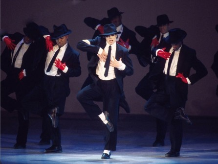MICHAEL JACKSON'IN İLK MOONWALK AYAKKABILARI SATIŞA ÇIKIYOR