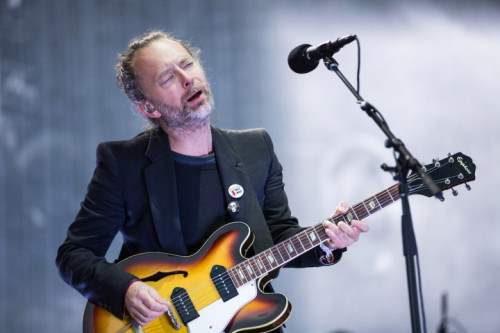 RADIOHEAD'İN JAMES BOND ŞARKISININ İLK CANLI PERFORMANSI