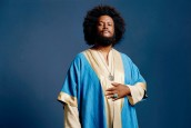 KAMASI WASHINGTON'DAN BOL ADUKETLİ BİR VİDEO