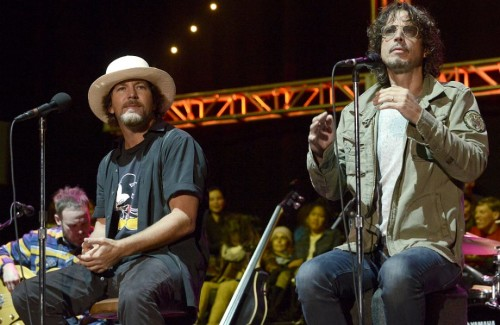 PEARL JAM'DEN CHRIS CORNELL COVER'I