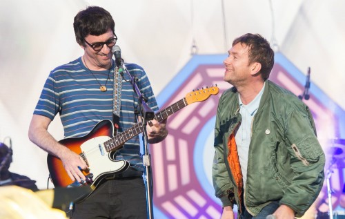 GRAHAM COXON VE GORILLAZ'DAN SONG 2 PERFORMANSI