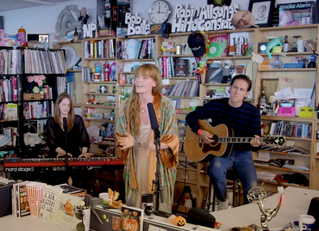 FLORENCE + THE MACHINE'DEN AKUSTİK PERFORMANS