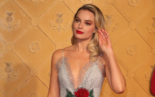 MARGOT ROBBIE BARBIE OLUYOR