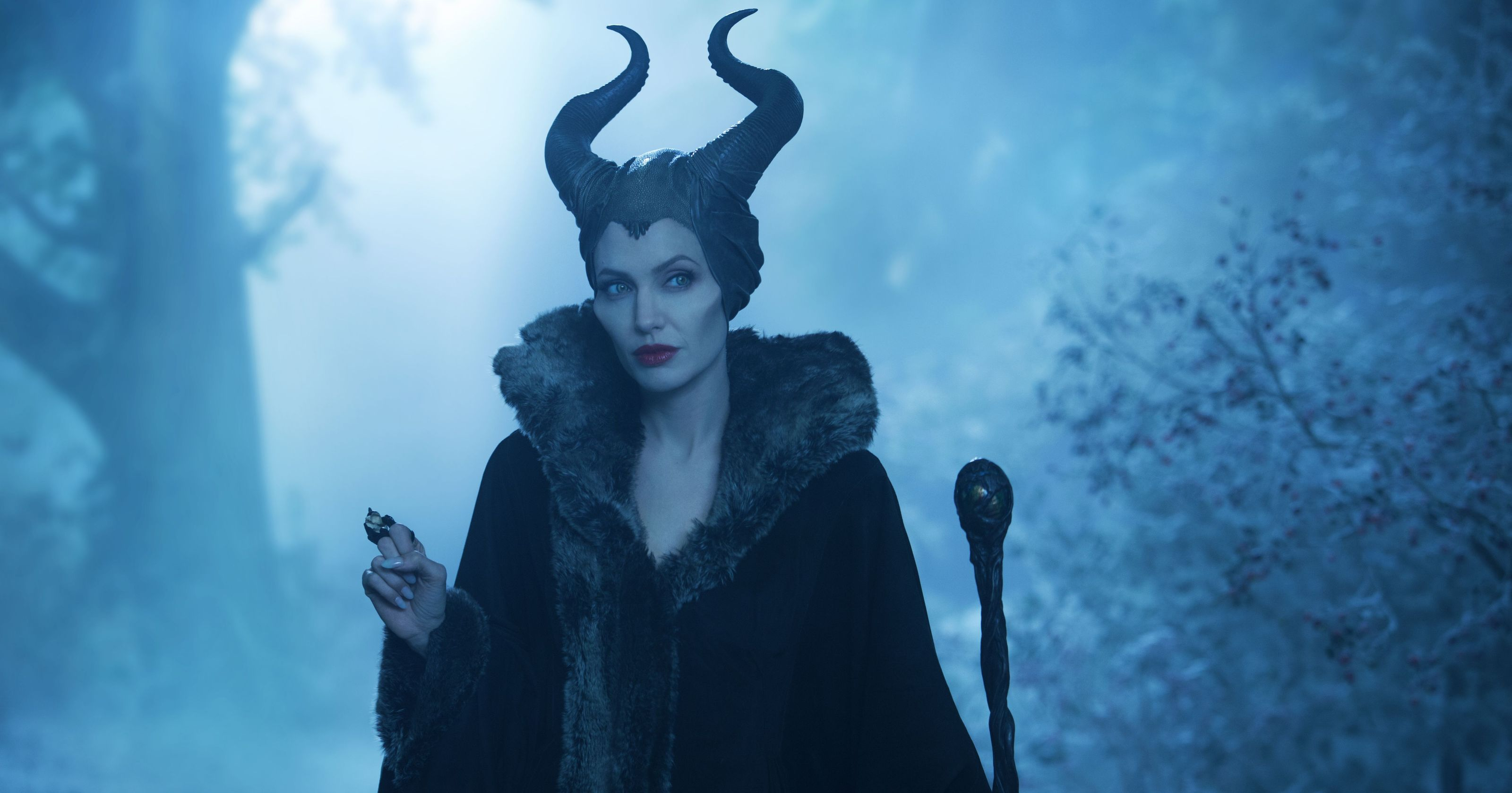 635972303584698212-MALEFICENT-REVIEW-JOLIE-64559172