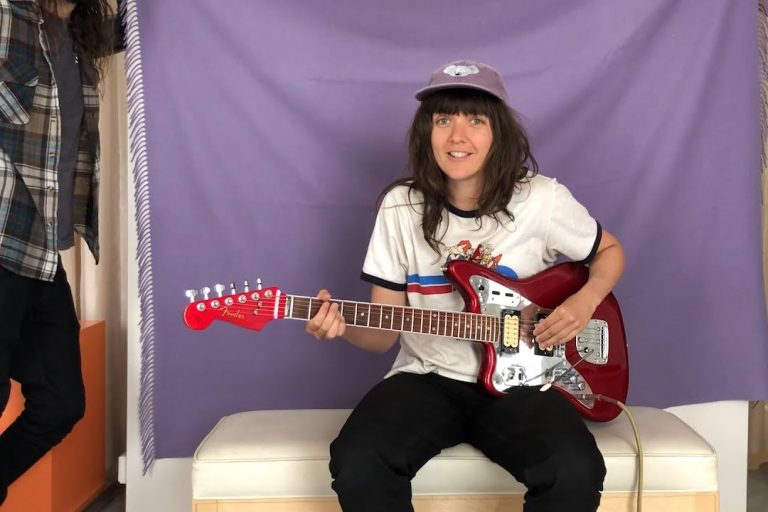 courtney barnett'ten record store day için şarkı