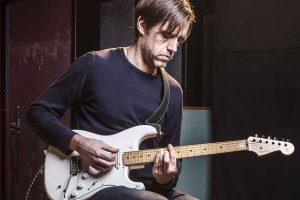 radiohead gitaristi ed o'brien, ilk solo albümünden santa teresa'yı yayınladı