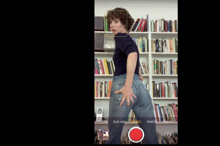 miranda july yeni sleater-kinney videosunun başrolünde