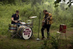yeni the black keys videosu ile belgrad ormanına gidiyoruz