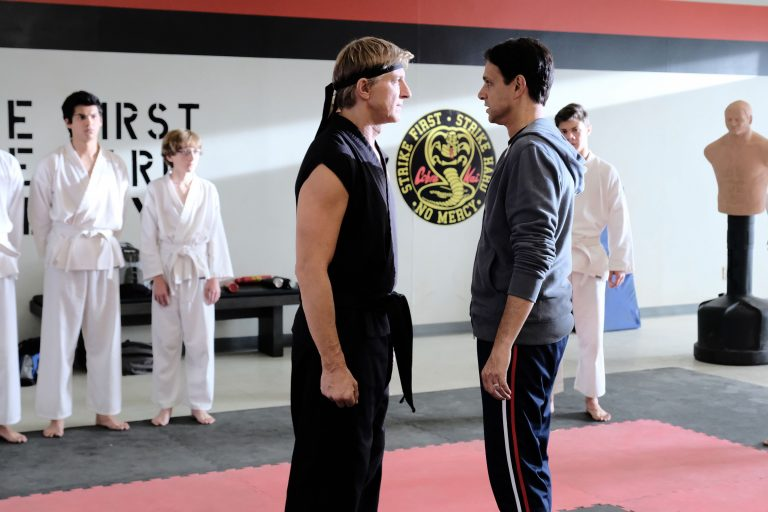 karate kid spin-off'u cobra kai, youtube'dan netflix'e transfer oldu