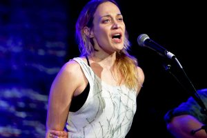 fiona apple'dan beach boys cover'ı