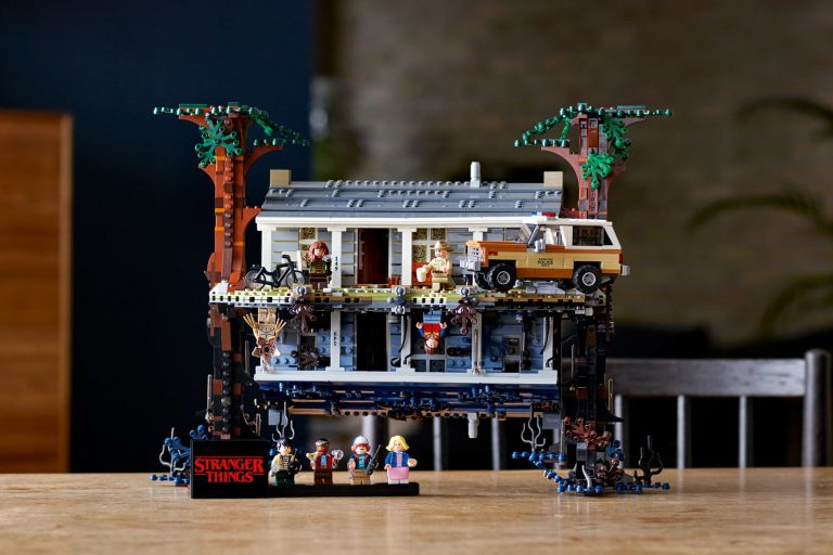 lego'dan stranger things'e özel upside down set