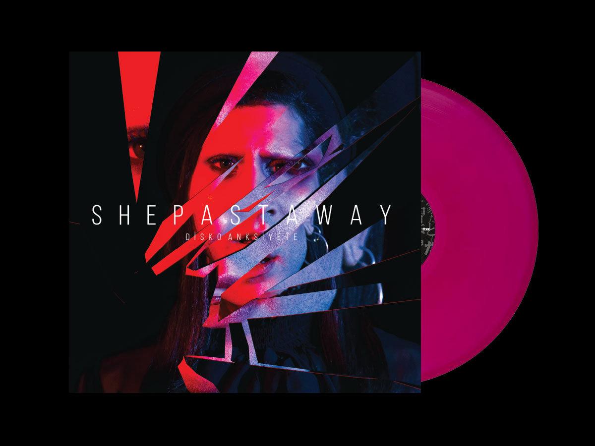 yeni she past away albümü 31 mayıs'ta bizimle
