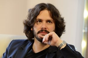 "edgar wright stephan king'in uyarlaması ""the running man""in başına geçiyor"
